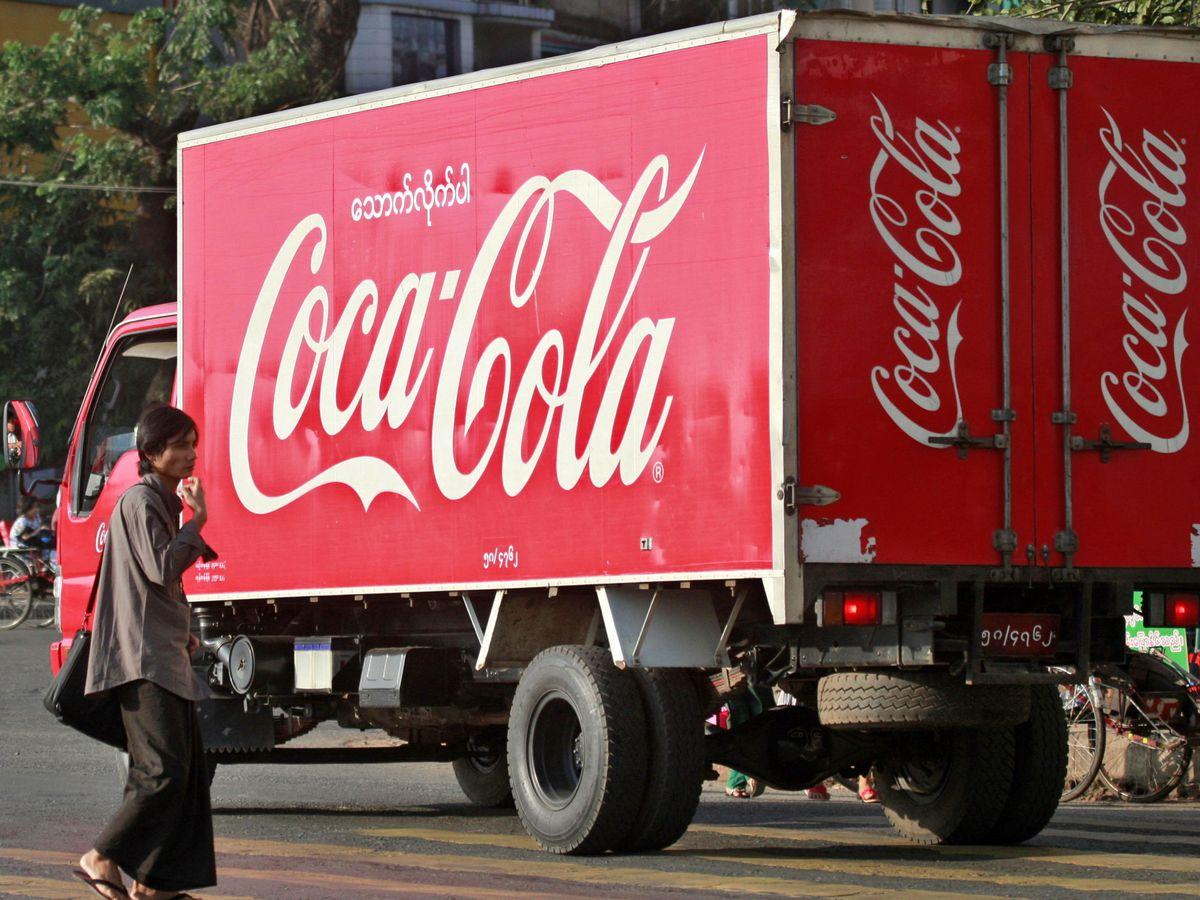 Foto: De China proceden muchas de las materias primas que Coca-Cola reparte por sus embotelladores de todo el mundo (EFE EPA/Lynn Bo Bo)