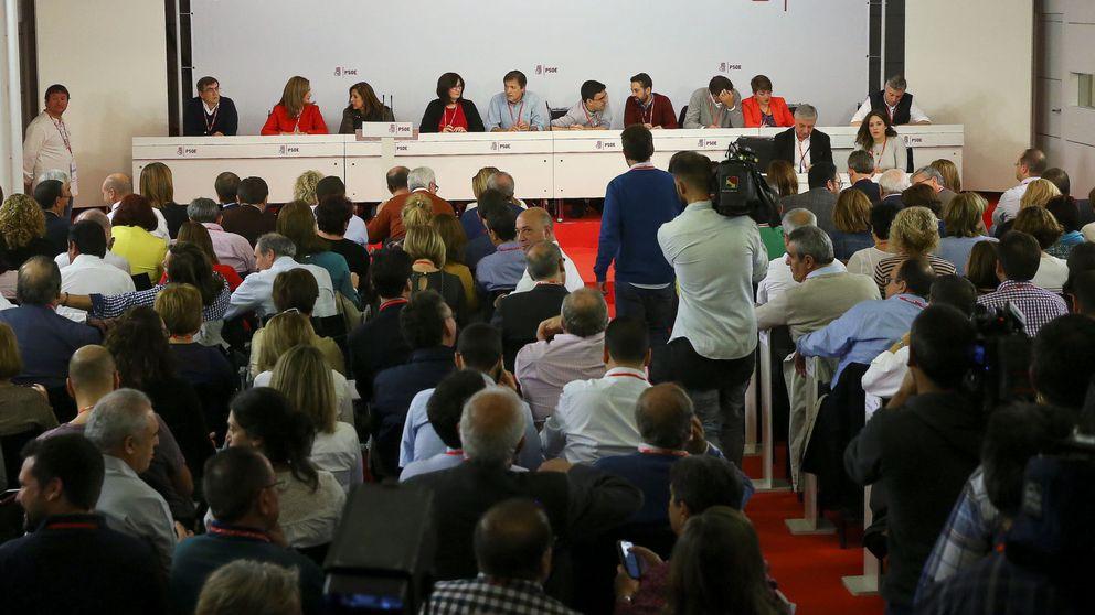 Un PSOE roto da el Gobierno a Rajoy y pasa página de Sánchez
