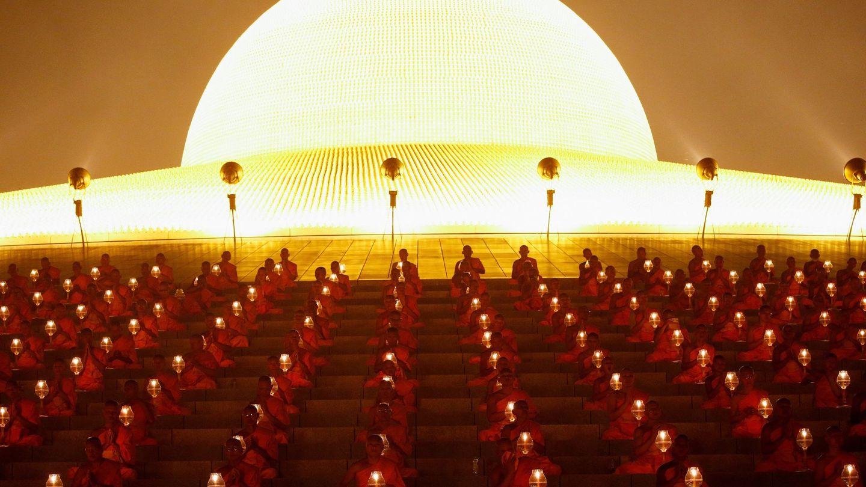 La impresionante celebración budista del Magha Puja. (EFE)