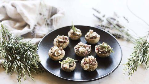 Receta de champiñones rellenos de jamón y queso de cabra, aperitivo ligero y sabroso