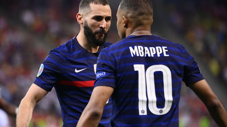 Benzema y Mbappé en un partido con Francia en la Eurocopa. (EFE)