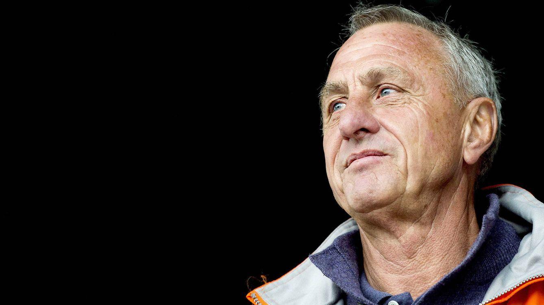 Foto: El holandés Johan Cruyff, durante la final del torneo que lleva su propio nombre. (Efe/Epa/Koen Van Weel)