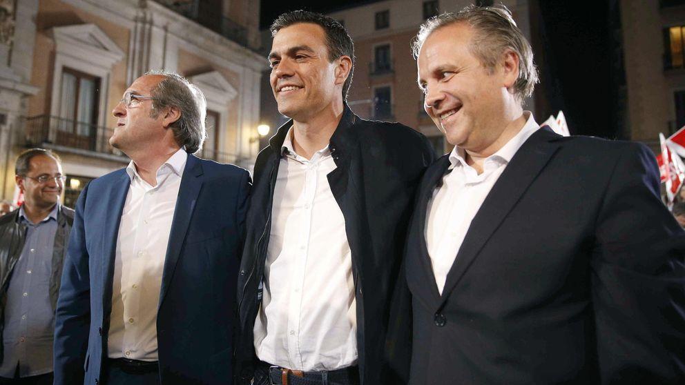 A los candidatos del PSOE no les llega la camisa al cuerpo