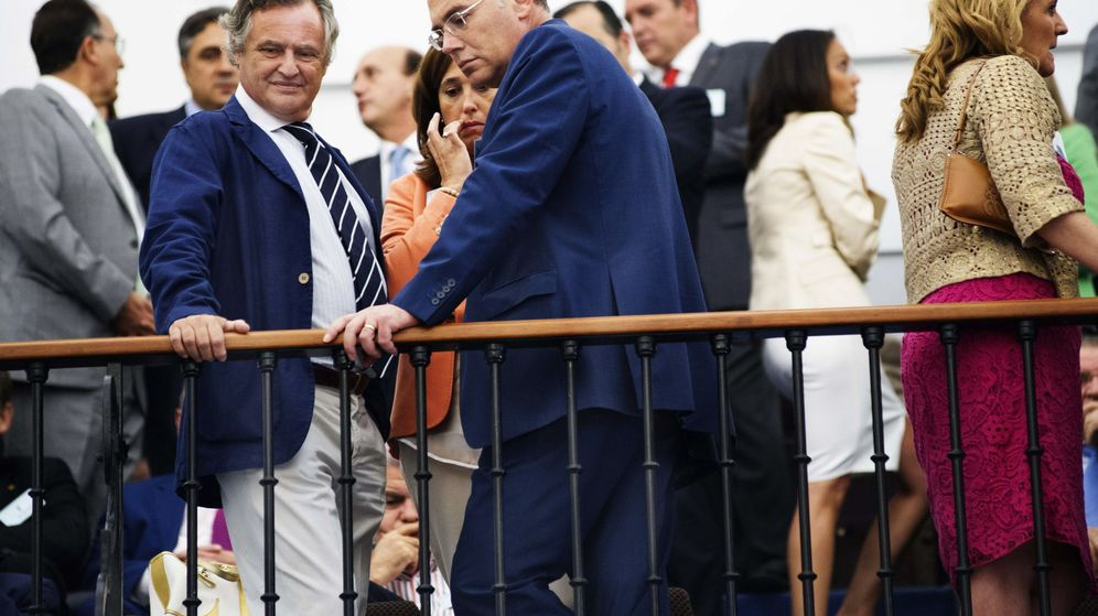 Foto: Ignacio López del Hierro (i), marido de la presidenta de Castilla-La Mancha, María Dolores de Cospedal. (EFE)