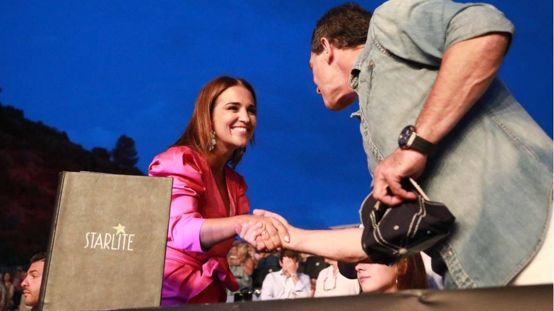 Paula Echevarría, con Antonio Banderas. (Foto: Equipo Starlite)