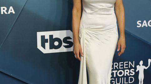Jennifer Aniston inspira a las novias con su vestido blanco del reencuentro con Brad Pitt