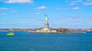 ¿Compro ya mis dólares para viajar a Estados Unidos?
