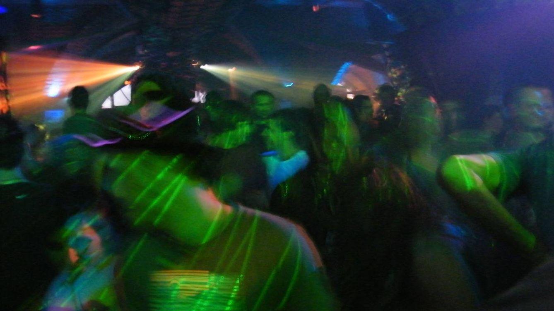 'Rave' en Ibiza: 73 detenidos y 13 heridos tras desmantelarse una fiesta ilegal