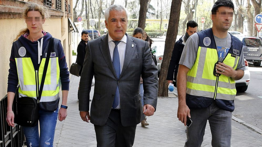 Foto: El presidente de la Asociación de Usuarios de Servicios Bancarios (Ausbanc), Luis Pineda. (EFE)