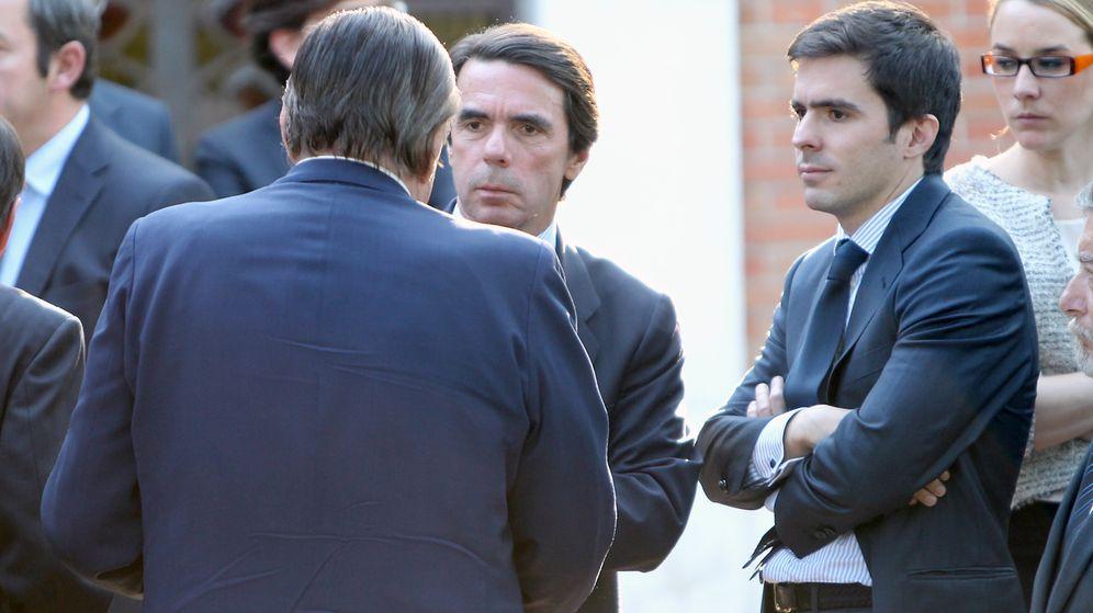 Foto: El expresidente José María Aznar y su hijo José María Aznar Botella. (EFE)