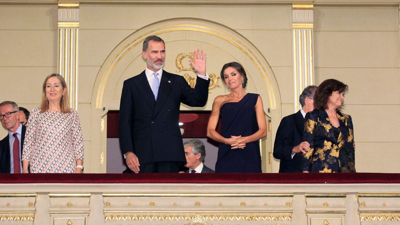 Albert Rivera con su novia e Isabel Preysler sin Llosa arropan a los Reyes en el Real