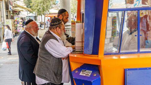 Un abuelo sin trabajo gana el mayor premio reciente de la lotería de Israel