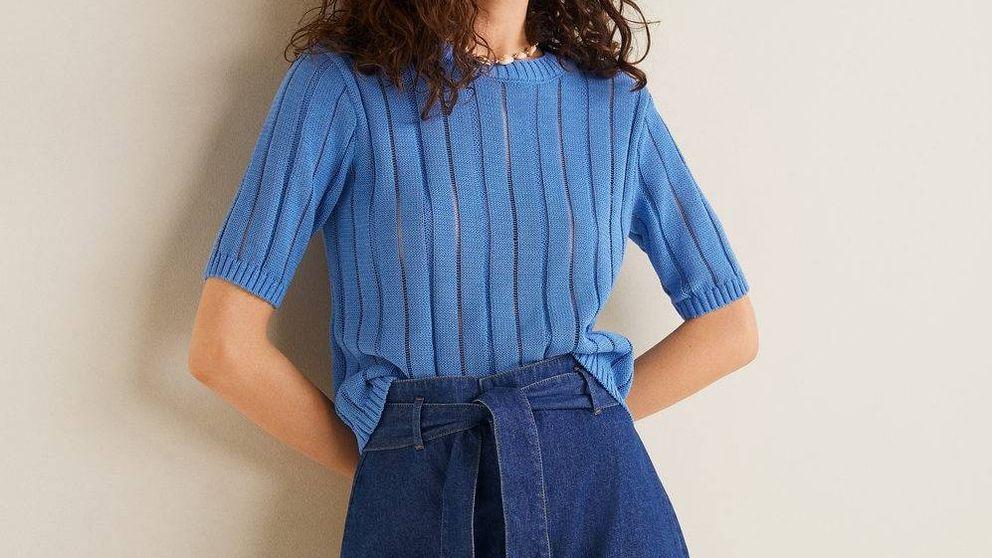 Esta falda de 20 euros de Mango Outlet confirma que las faldas vaqueras no son solo para veinteañeras