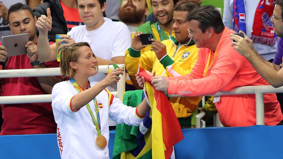 Su novio, su padre y Casa Real: todos felicitan a la mujer del momento, Mireia Belmonte