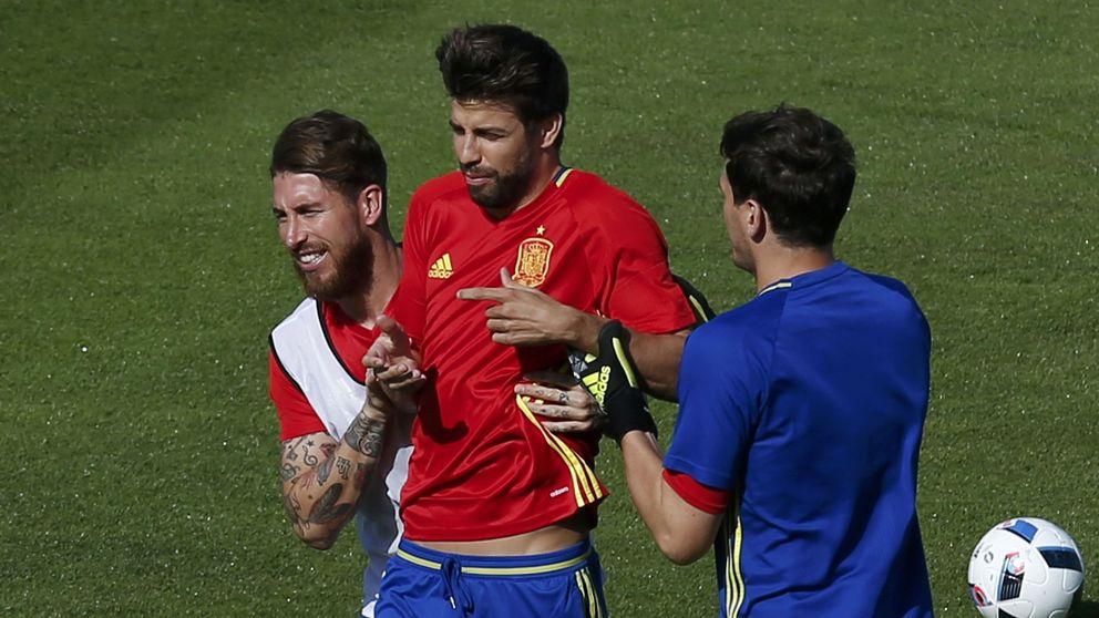 Las bromas y no bromas entre Ramos y Piqué cuando juegan con España