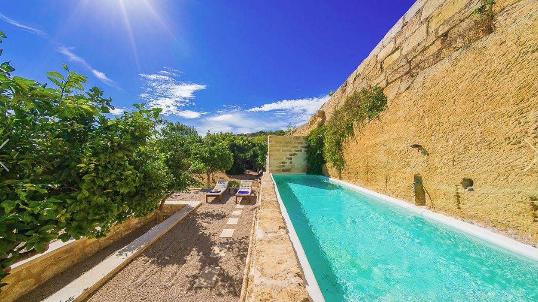 La propiedad también oferta villas como esta en Menorca a 510 euros la noche.