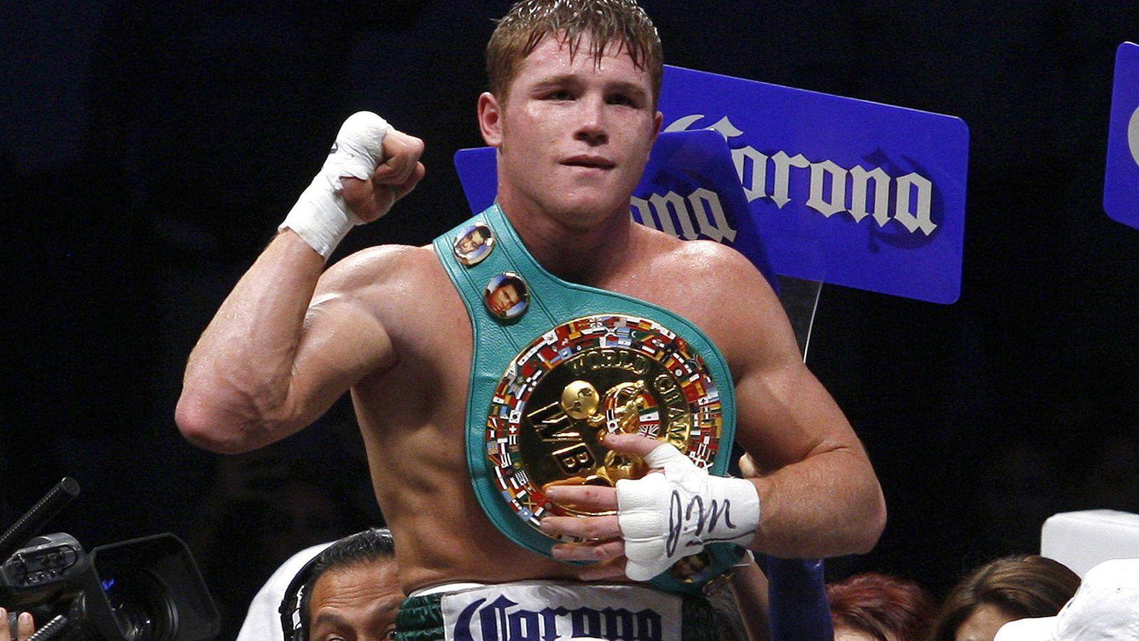 Foto: El campeón Mundial Superwelter del Consejo Mundial de Boxeo (CMB), Saul Canelo Álvarez (Efe).