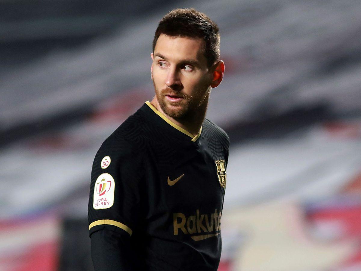 Foto: Leo Messi durante el partido entre el Granada y el Barcelona de Copa. (Efe)