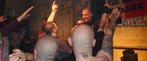 Foto: Valencia trata de impedir la actuación de una banda de rock que alaba a Hitler