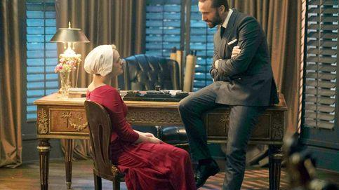 'El cuento de la criada': la brutal escena que Fiennes (Waterford) se negó a rodar