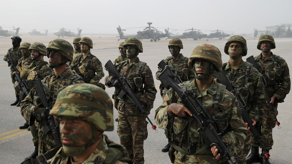 Foto: Marines griegos en febrero de este año. (Reuters)