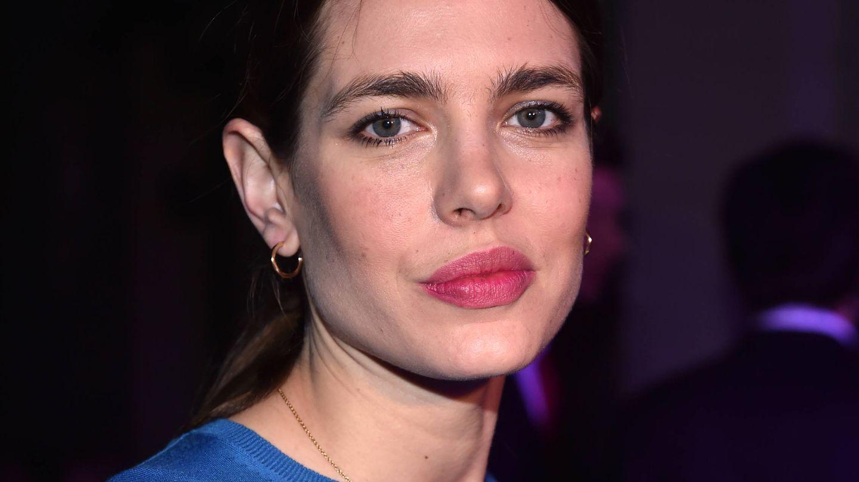 Las cejas gruesas de Carlota Casiraghi son uno de sus trucos infalibles para un look natural. (Getty)