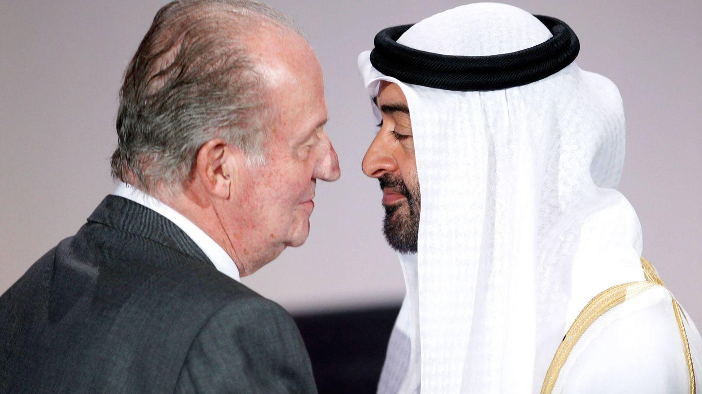 El rey Juan Carlos, con Mohamed bin Zayed Al Nahayan en una imagen de archivo. (Reuters)
