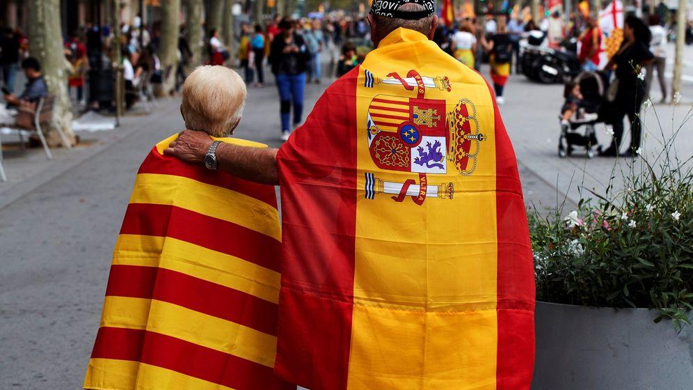 Foto: Manifestación en Barcelona a favor de la unidad de España. (EFE)