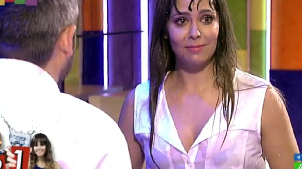 La provocativa camiseta mojada de Pedroche calienta 'Zapeando'