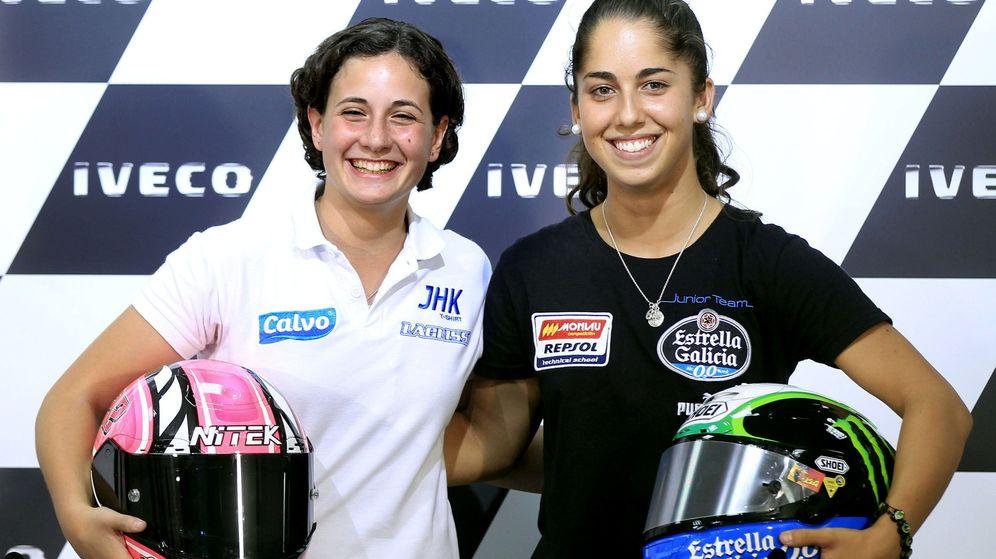 Foto: Ana Carrasco y Maria Herrera en Motorland durante la temporada 2013 (Efe).
