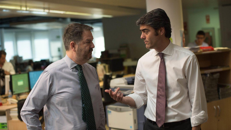 Bieito Rubido, director de 'ABC', y Luis Enríquez. (P. Lpóez Learte)