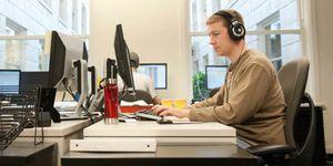 Foto: Escuchar  música cuando se quiera mejora la productividad en el trabajo
