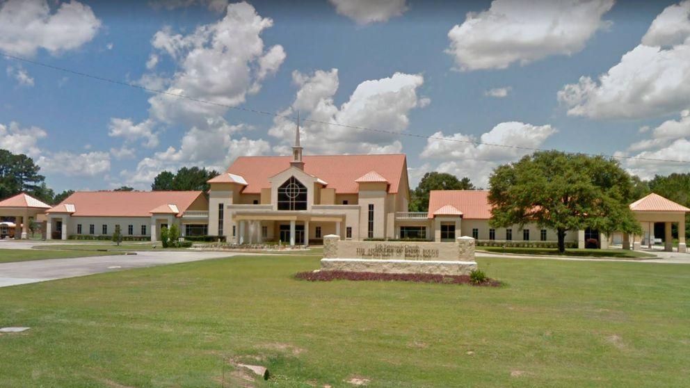 El pastor de una iglesia pide a fieles que donen el cheque regalado por el gobierno