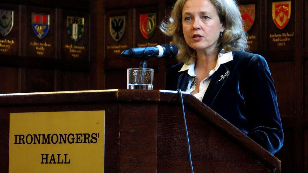 Foto: La ministra de Economía, Nadia Calviño, durante su intervención en la Cámara de Comercio de España en Londres. (EFE)