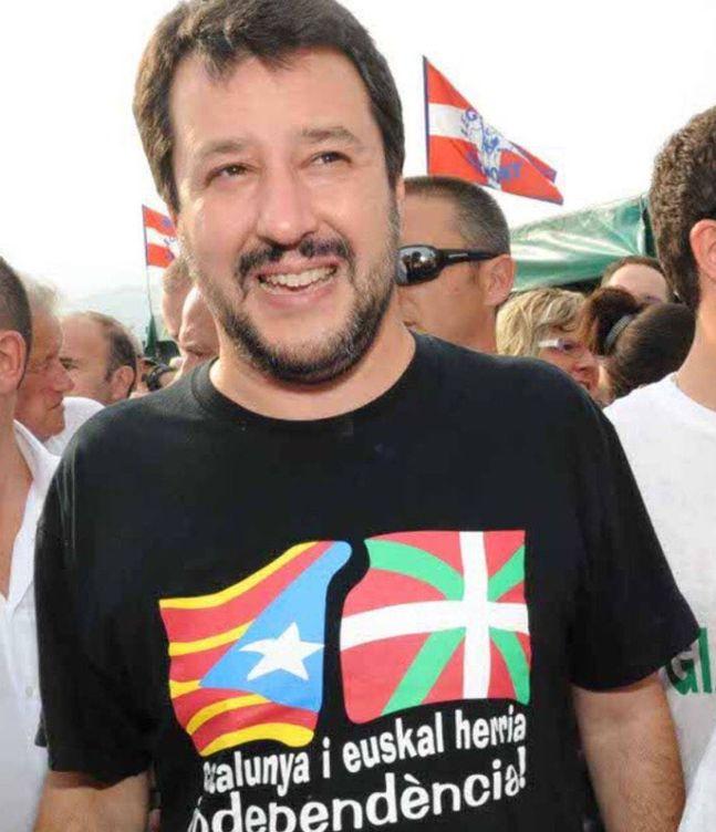 Foto: Salvini muestra su apoyo a los desafíos independentistas que sufre Europa.