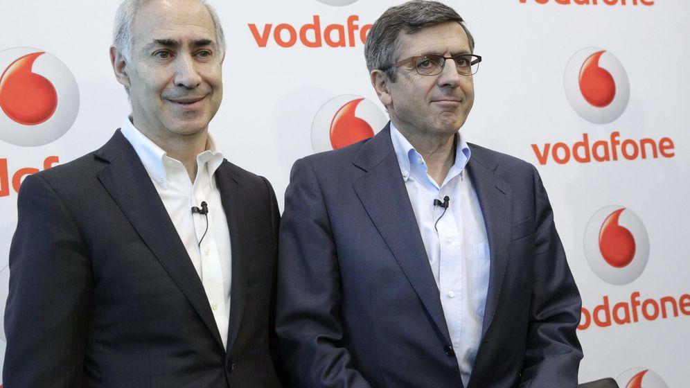 Foto: El CEO de Vodafone España, Antonio Coimbra (i), y el presidente de la Fundación, Francisco Román, han declarado este lunes ante el juez. Foto: EFE/Zipi.