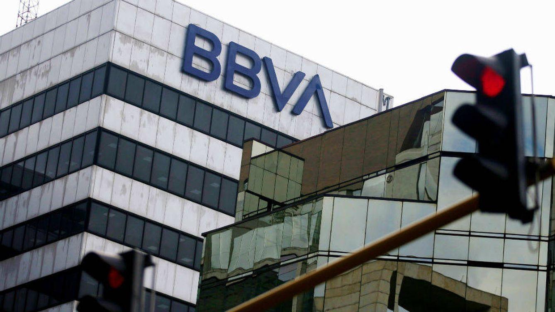 Las asociaciones de prensa condenan el espionaje del BBVA a periodistas