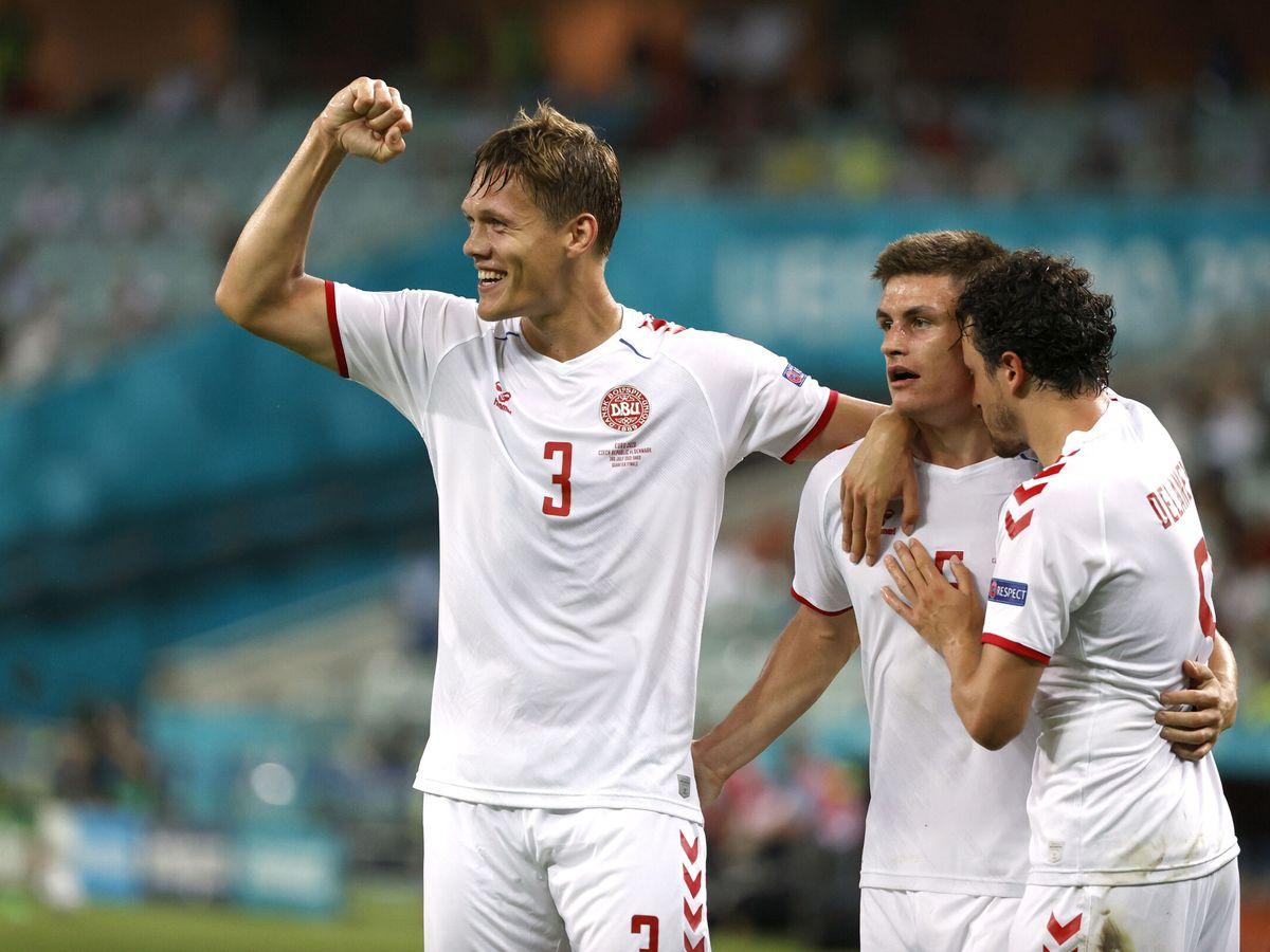 Foto: Los daneses celebran su pase a las semifinales de la Eurocopa. (Reuters)