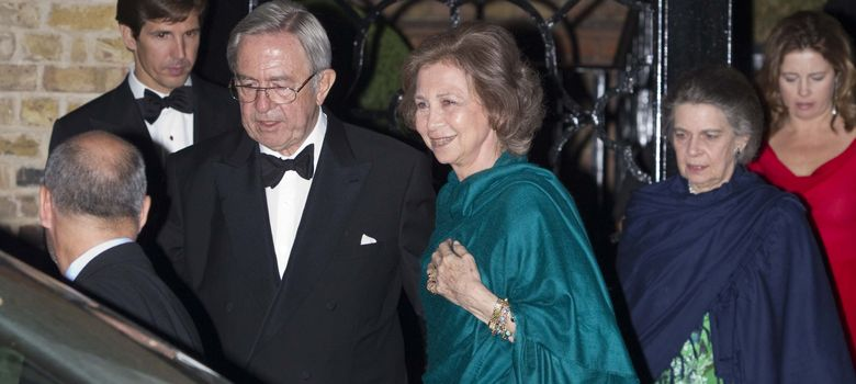 Foto: La Reina Sofía, Irene de Grecia y el rey Constantino, en 2010 durante la celebración del 70 cumpleaños de su hermano. (I.C.)