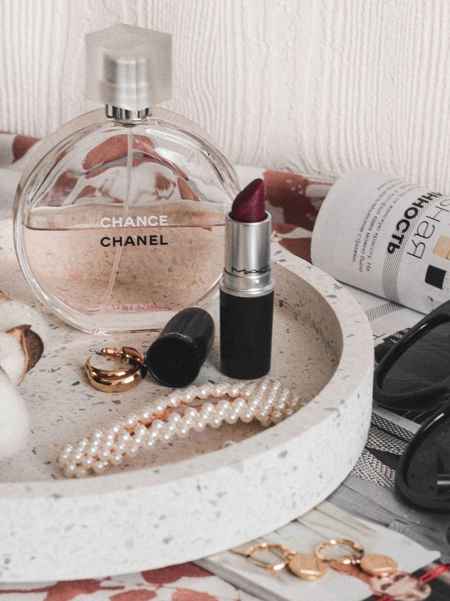 El orden en los cosméticos que utilizas a diario agilizará tu rutina enormemente. (Unsplash)
