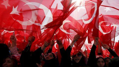 Manifestación a favor de los agentes turcos
