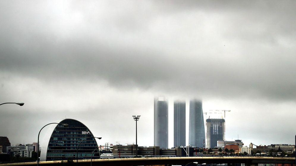 Foto: Sede de BBVA con las cuatro torres al fondo. (EFE)