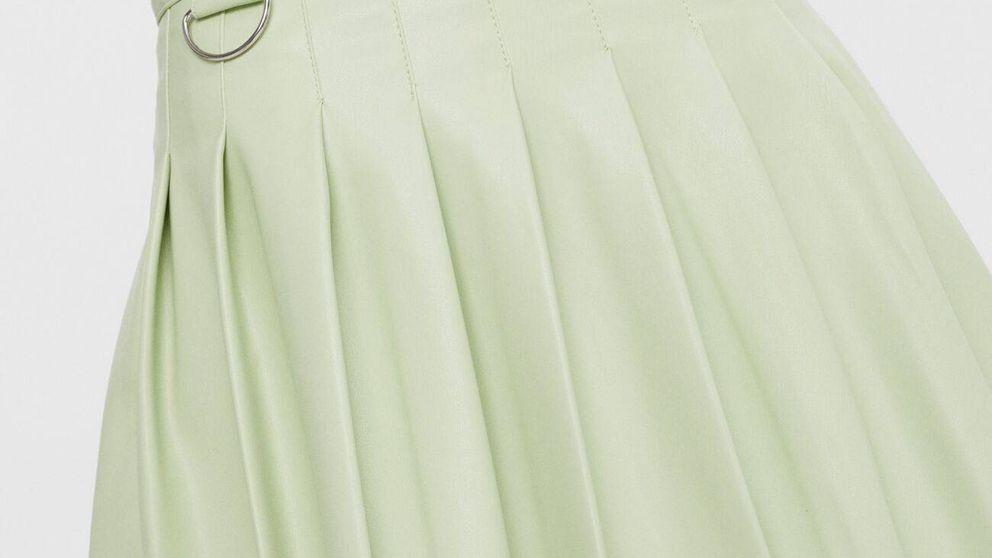 Bershka y la falda mini de tablas efecto piel que jamás imaginábamos amar