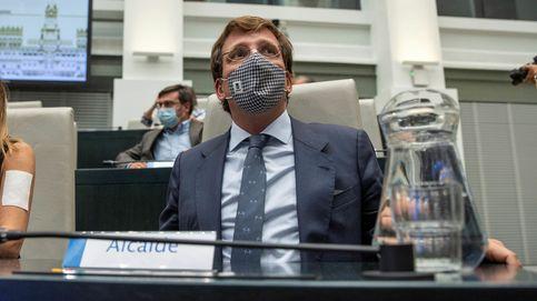 Almeida acusa al Gobierno de desgastar las instituciones aprovechando la pandemia