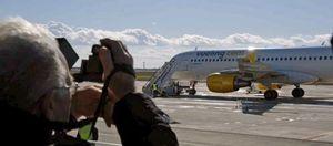 Vueling cancela un vuelo París-Ciudad Real a mitad de trayecto y se desentiende del pasaje