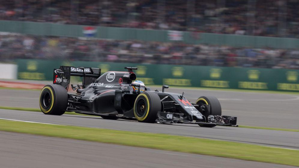 Foto: Alonso está realizando uno de los mejores fines de semana de la temporada (Valdrin Xhemaj/EFE)