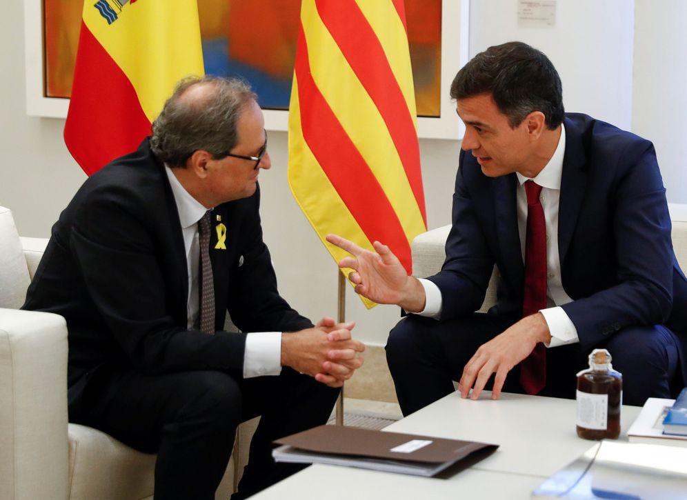 Foto: Pedro Sánchez, junto con el 'president' Quim Torra, durante su reunión en La Moncloa, este 9 de julio. (EFE)