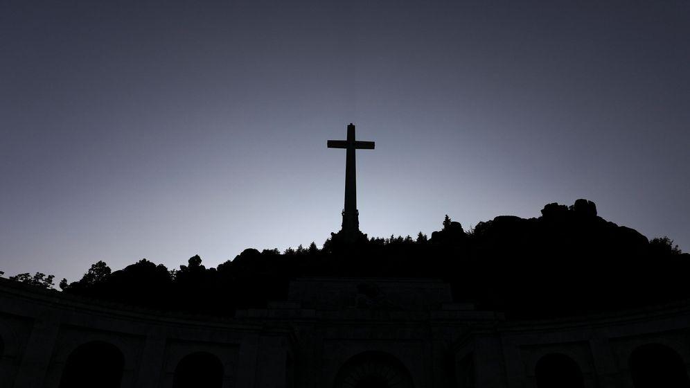 Foto: El proyecto de Podemos para el Valle de los Caídos: un memorial público sin la cruz. (Reuters)