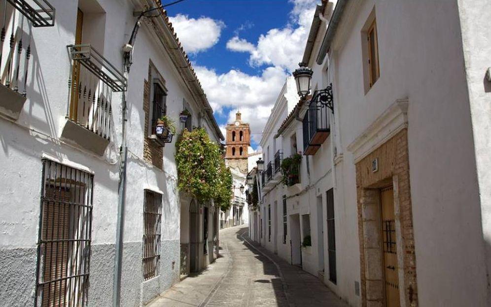 Foto: Por las calles de este bello pueblo pacense. (Turismo de Zafra)