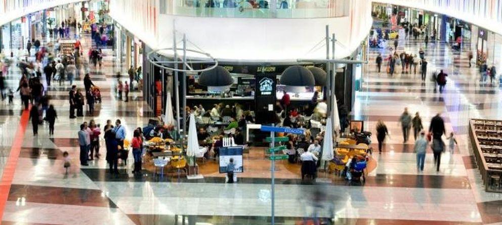 Los hipermercados Simply dan un balón de oxígeno al centro Plaza Imperial